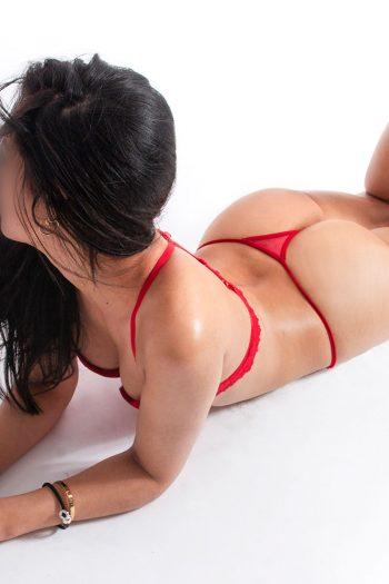 5Paola_nude massage barcelona